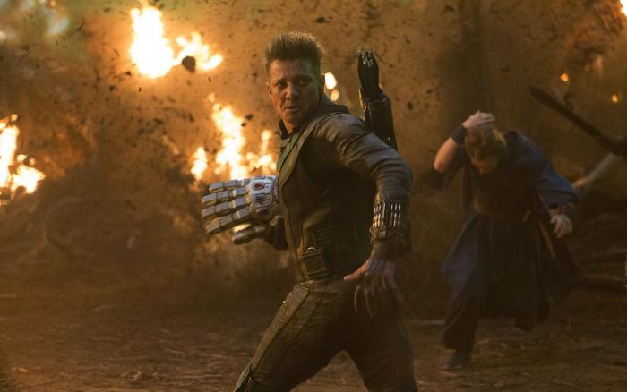 Picture of Avengers: Endgame (2019), Hawkeye / Hawkeye with the gauntlet
