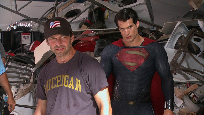 Official image of Zack Snyder and Henry Cavill on the set of The Man of Steel (2013)
