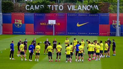 Photo of the team that worked in Catalonia on the eve of their visit to Mallorca Photo: @FCBarcelona_es