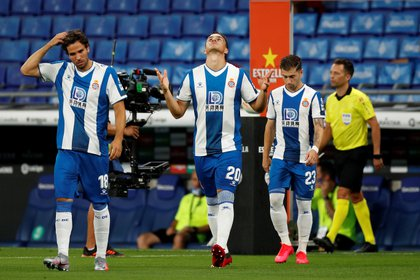 Espanyol come from losing with Real Madrid and will visit Real Sociedad this Thursday for date 33 of the Spanish league (REUTERS / Albert Gea)