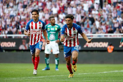 Chivas will be in the Cup for Mexico, despite possible COVID-19 infections (Photo: EFE / Francisco Guasco)