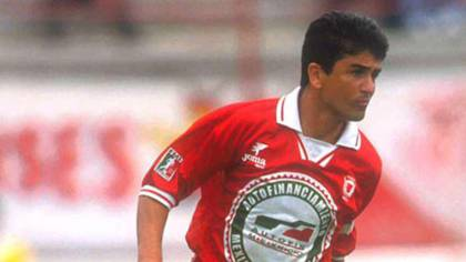 Brazilian World Cup striker Bebeto wore the Toros Neza shirt at the age of 35 (Photo: File)