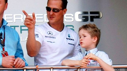 Since childhood he dreams of being a Formula 1 champion like his father