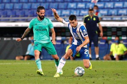 Isco has 3 goals in 25 matches - REUTERS / Albert Gea