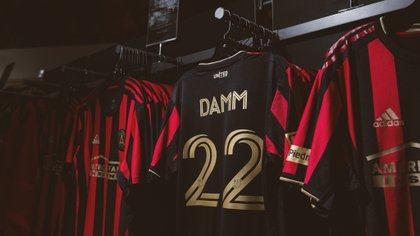 Damm will not be focused with the team in Orlando, Florida (Photo: Twitter / @ATLUTD)