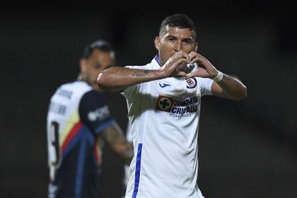 Cruz Azul celebrates goal against America (Photo: Twitter / LigaBBVAMX)