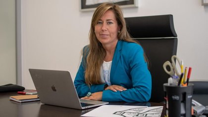 The leader is a fervent promoter of women's football (Elche)