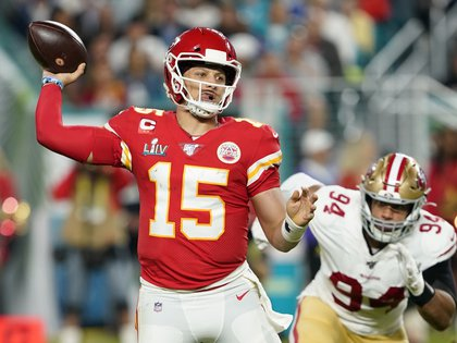 NFL player Patrick Mahomes became the best payoff in the world (REUTERS / Mike Blake)