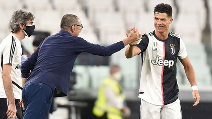 Sarri, along with Cristiano Ronaldo, from whom he praises his competitiveness, despite having had friction, especially after the final of the Italian Cup (EFE / EPA / ALESSANDRO DI MARCO)